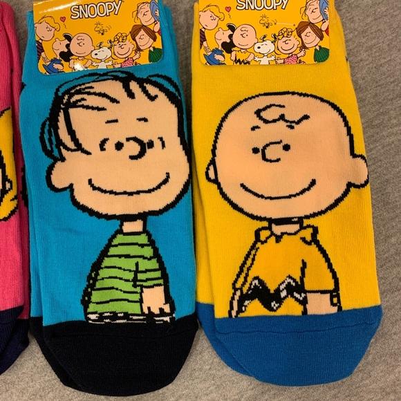 Womens 5 Pack Rainbow Peanuts Snoopy Charley Sally Linus LucyNo Show Socks NWT